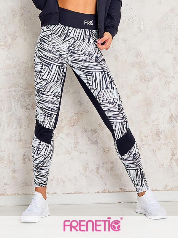 Fekete fehér firkás mintázatú leggings, lovaglónadrág fazonnal. Kiemeli a nőies formákat, kiváló nedvszívó képessége miatt alkalmas szinte bármilyen kültéren vagy beltéren végzett sportokhoz.